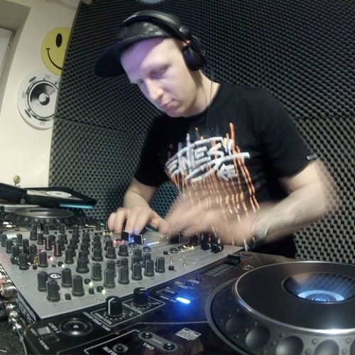 Mike Fate-may 2012 mini mix taster 4 Save the Vinyl night in Manchester