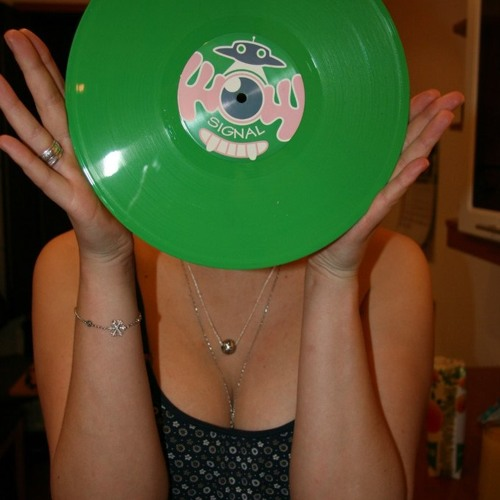 Hello refix / Unity Dub - WOW Signal 002 10inch Green vinyl OUT NOW!