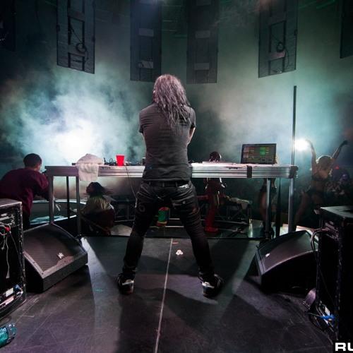 Benny Benassi - Cinema (Skrillex Extended Live Intro) (Mikel Mandi Remake)