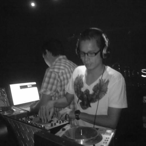 DJ FranHouse ( Vocalista Para Este Track)