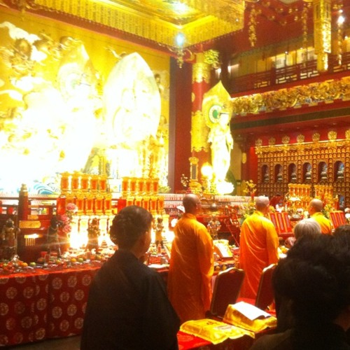 Sounds of the temple at Buddha Tooth Relic Temple & Museum (佛牙寺龙华院)