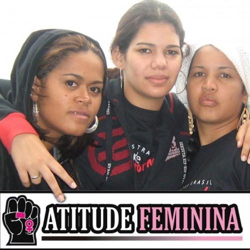 5c0a74b8003e1 Atitude feminina - rosas by ArteUrbana