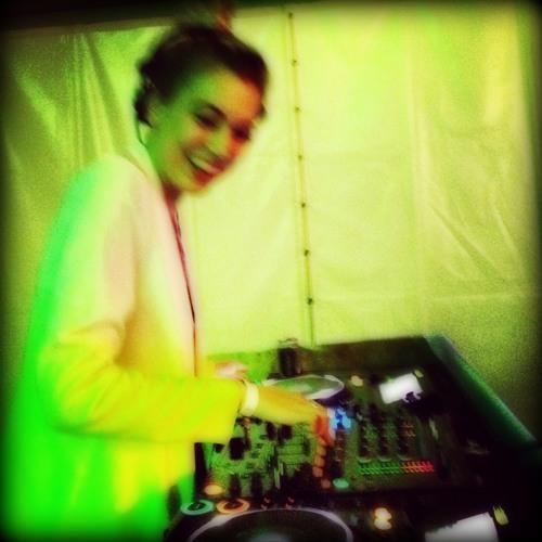 Sandra Mosh DJ-set live @ Dans Dakar 2012