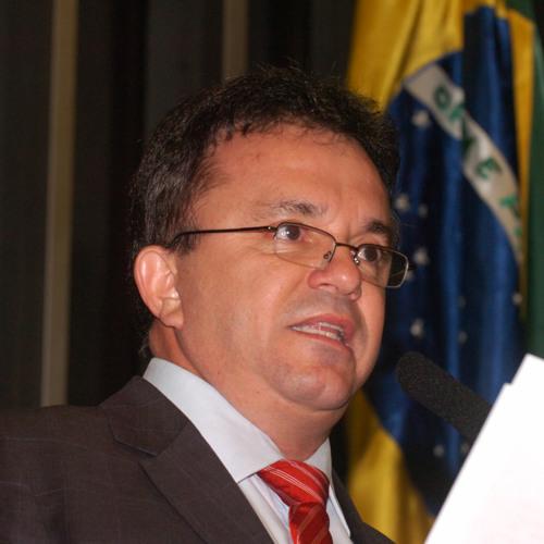 Baixar Vander Loubet busca experiência de transporte urbano no Ceará