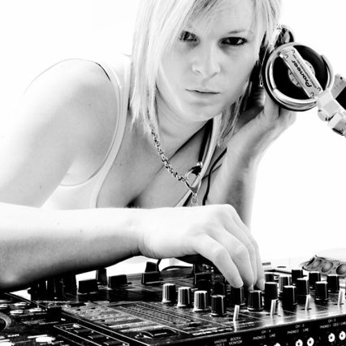 DJ Lucy Loca Progressive House Mix June 2012