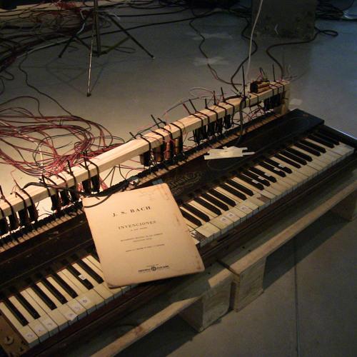 UN PIANO FANTASMA/ / / / / live set 11.02.2012