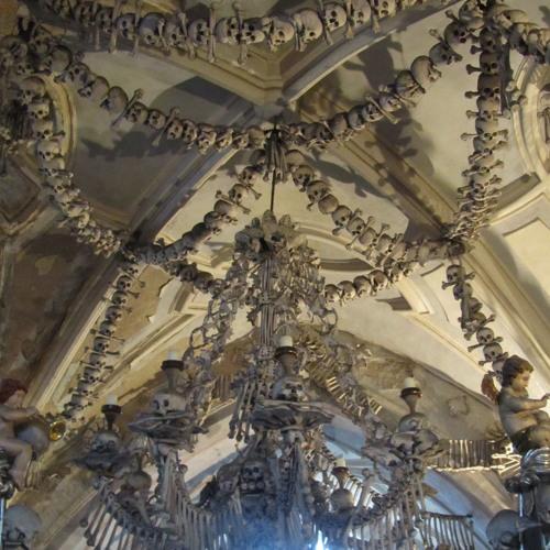 Mini Mädel: The Bone Church