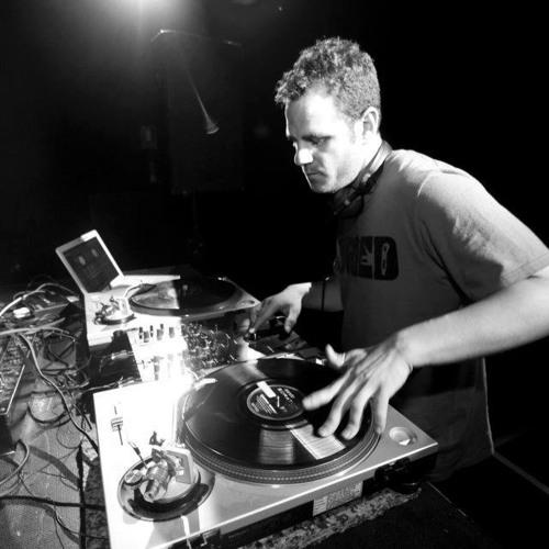 Dj Assassin * Sala Custom (Sevilla) * 16/06/2012 * LIVE // Free download