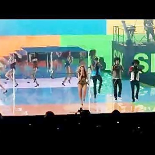 Beyonce - Countdown - Live Performing Revel Resorts - Atlantic City [Thi Delicia]