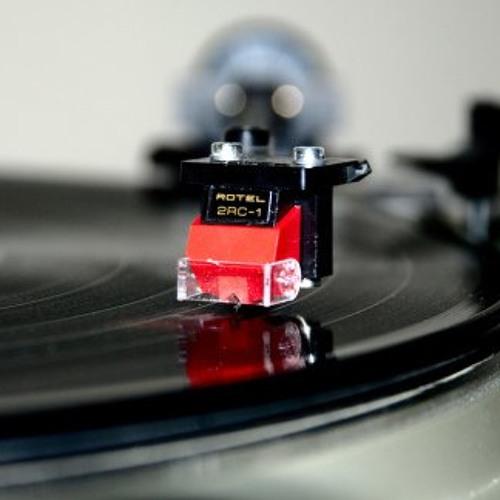 Vinyl only house & techno mixes