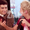 Niall Horan and Zayn Malik sing part of