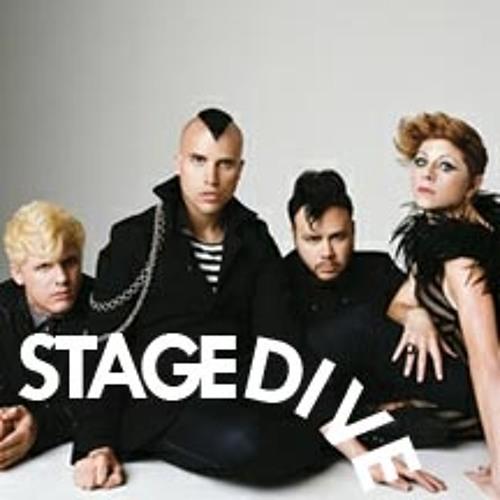 Stagedive -8- Neon Trees