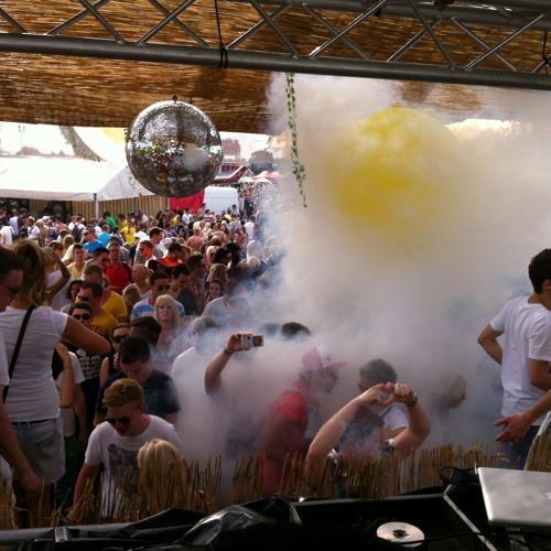 Ruhr In Love 2012: Martin Kaddatz B2B Rockerz Mafia We Rock APE Floor Opening Set(Open Air)