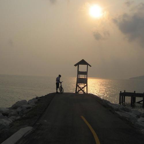 Ray Rama - Ban Phe Sunrise