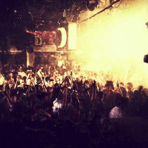 Copyright Live at Pacha Ibiza 02/06/12 Part 1