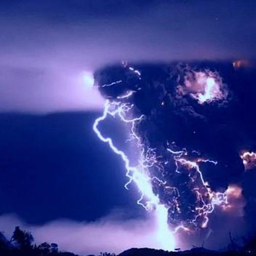 """DeeWhy - """"ThunderKlap"""""""