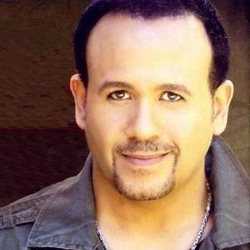 هِشام عَباس - زمان وأنا صُغير
