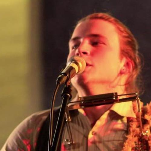 Josh Flowers & The Wild live on 91.8Hayesfm Drivetime