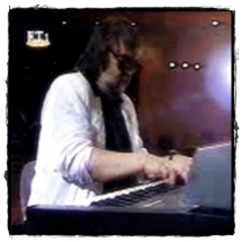 Vangelis on ET1 (1991) - Piano Improvisation by srmusic