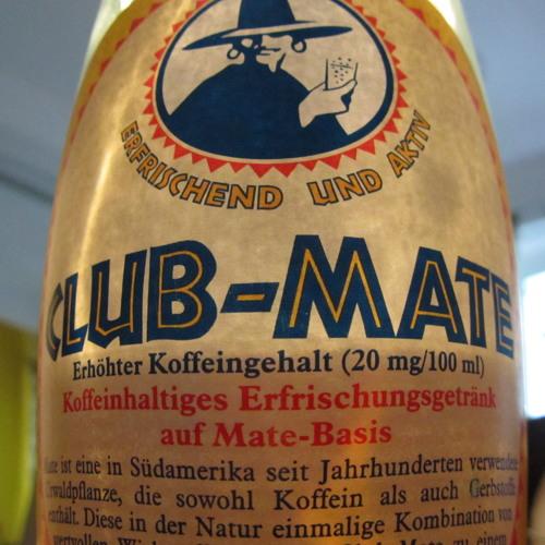 Mini Mädel: Club Mate