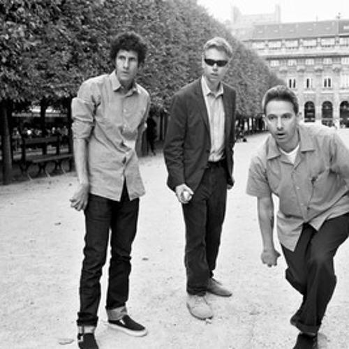 Beastie Boys - Looking down the barrel of a gun (Omnitronic Bootleg remix)
