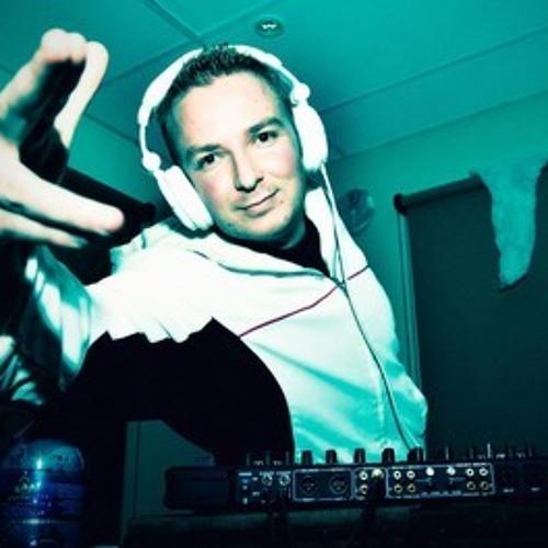 DJ SneaQ Intermediate Mix