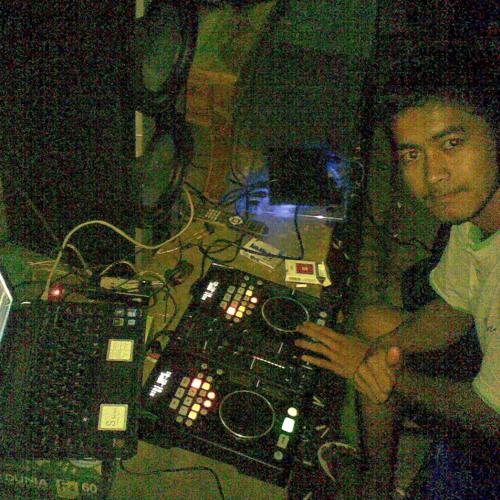 Moncter no body bb ( DJ CHELA ) 2012