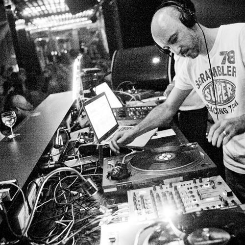 Ch-ch-check it out-Nunk Rmx (DJ Friction Mash-up 2004)