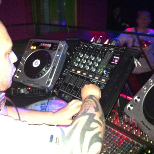 DJ Delgado MC - HTID Ravin Eyes competition MC demo mix 2012