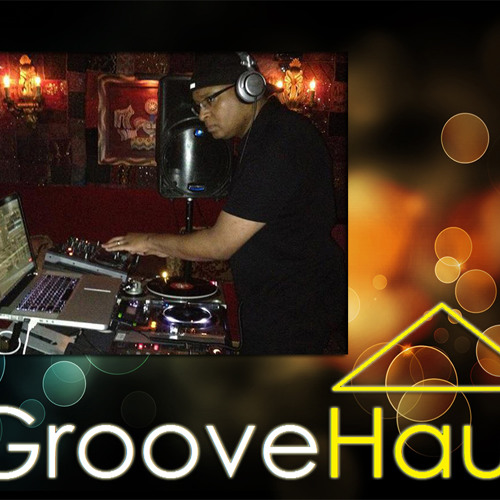 Kevin Bumpers live @ GrooveHaus 8-18-2012