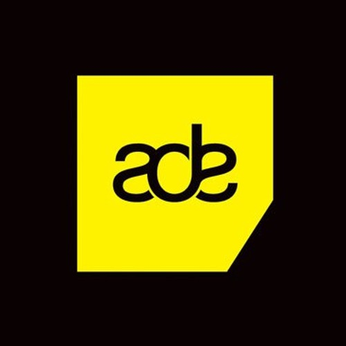 WE ARE E ADE PODCAST01 : ARJUNA SCHIKS (LIVE)