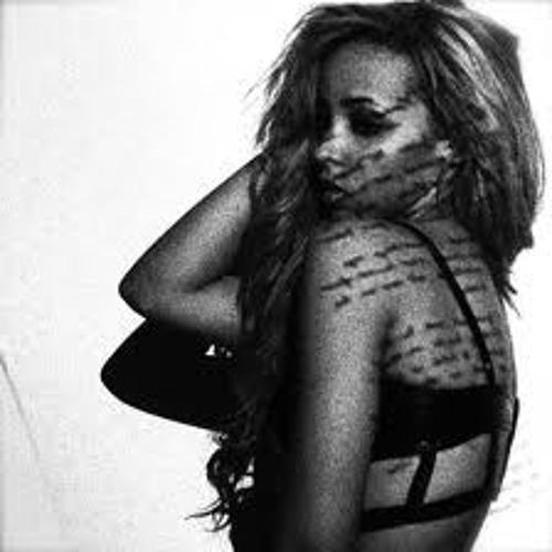 Tinashe ft. Honey Cocaine - Boss