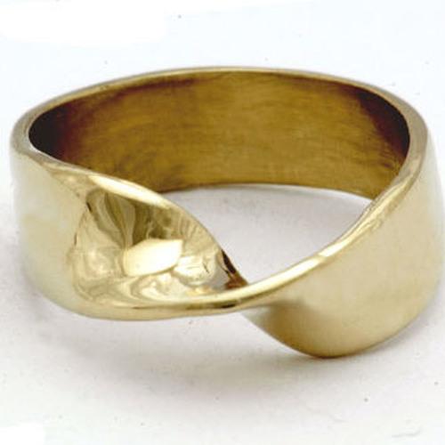 Mobius' Wedding Ring