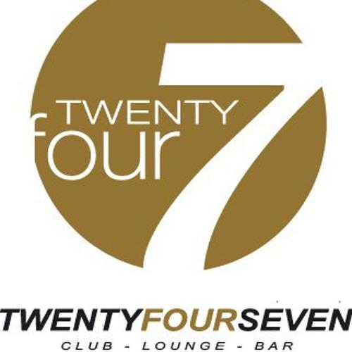 NEW YEAR YVES live @ Club TwentyfourSeven