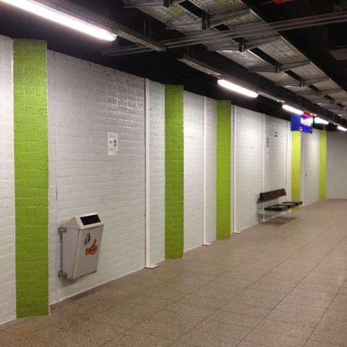 Streetcars, trams, trains, subways, metro, underground, buses
