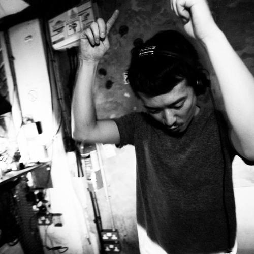 TOMOKI TAMURA MIX SHOW 001 / LIVE DJ from WAVEFORM FES 09 2012,UK.