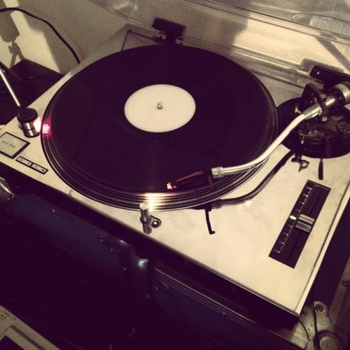Dj Q - Feelin' Moody - Klement Bonelli Reedit
