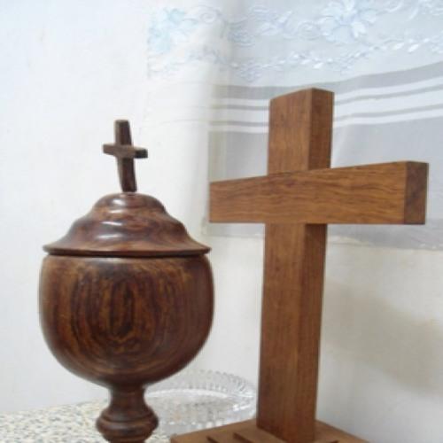 Ecce Lignum Crucis in quo Salus mundi pependit: venite adoremus!