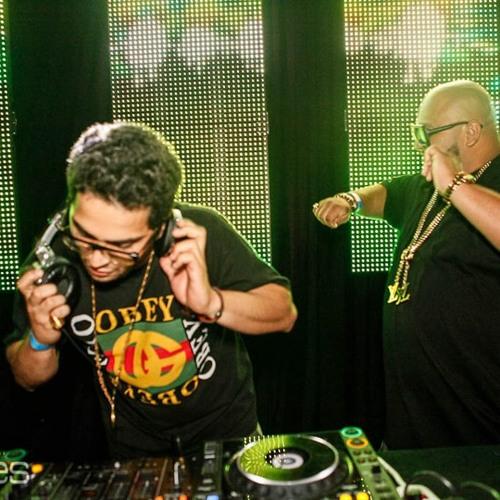 TrapZillas - Razor Blades ft Riff Raff & Logic Ali