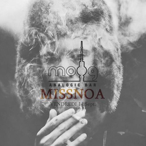 MissNoa . Moog Analogic Bar Sept'12