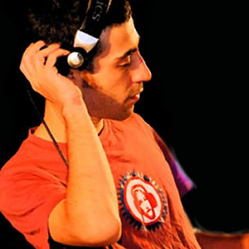 Lonya@Golden Wings Music Radio - Sep 2012