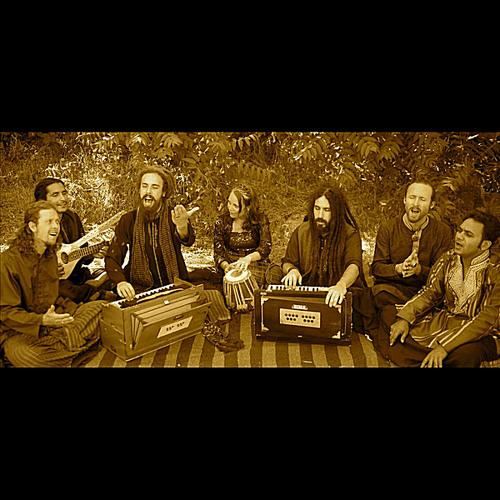 Ya Mustafa Nur-Ul-Khuda by Fanna-Fi-Allah Qawwali Ensemble