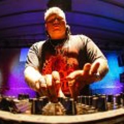 Partyraiser Live Extract @ Dominator 2012 (Korn - Coming Undone Remix)