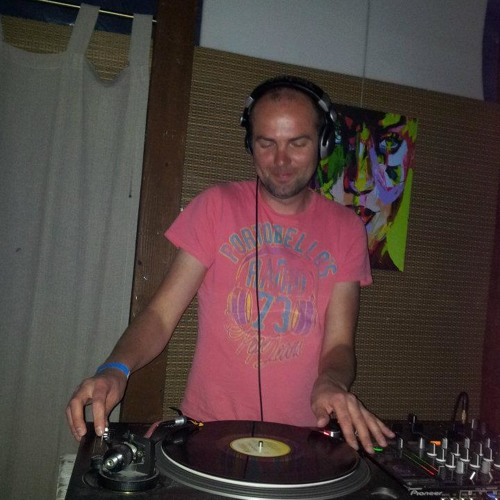 I.F.U. live mix at Chill Out/BBQ summer terrace opening, Minsk, BY 21.04.2012