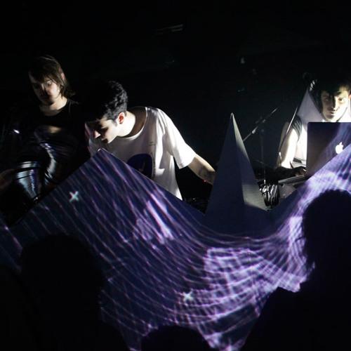 Chico Ninguno sync Patokai - The Robots (live free version)