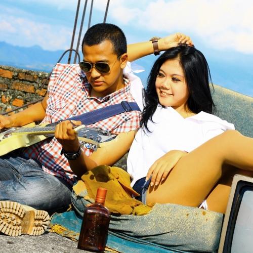 Rocker Juga Manusia (cover) - Dhani Ft Citra Dewi