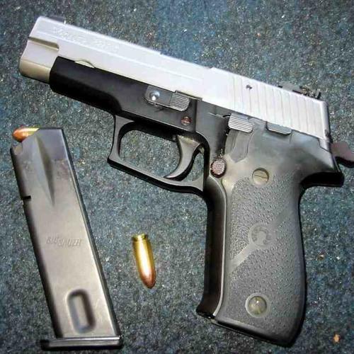 9mm Gunshot Beat Freestyle(Prod. by Viniibeats)
