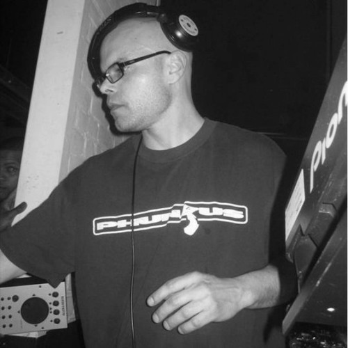 Kemmi Kamachi remixes   [go to track for more info]