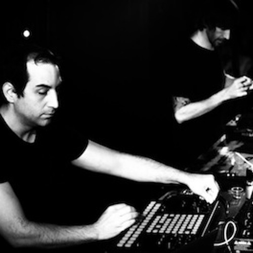 Marc Houle & Troy Pierce playing together: Live vs. DJ @ ENTER. Sakebar