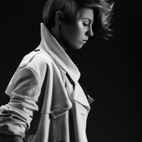 la roux going in for the kill.. loopie remake.